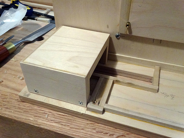 Mini_Watercooled_HTPC_modsquito_wood_scratch_build_DSC02440-W640.JPG
