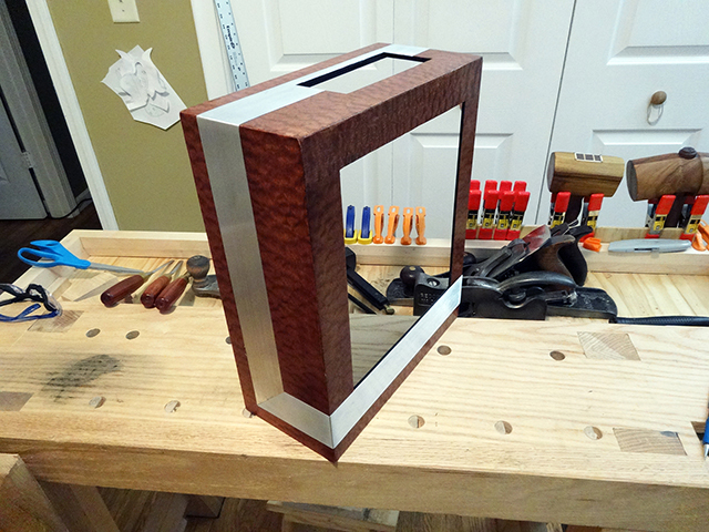 Mini_Watercooled_HTPC_modsquito_wood_scratch_build_DSC02574-W640.JPG